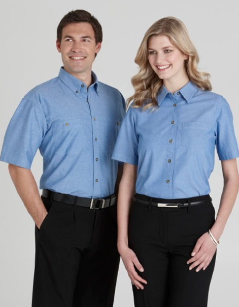 Mens-&-Ladies-Wrinkle-Free-Short-Sleeve-Chambray-Shirt